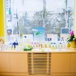 漢方薬局いちやく草店内オーガニック化粧品『フィッツPHYT'S』のコーナー